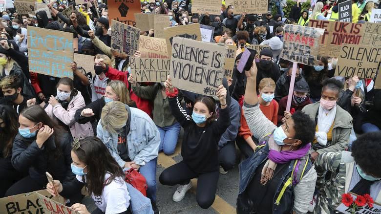 Δολοφονία Τζορτζ Φλόιντ: Μεγάλη αντιρατσιστική διαδήλωση στο Λονδίνο