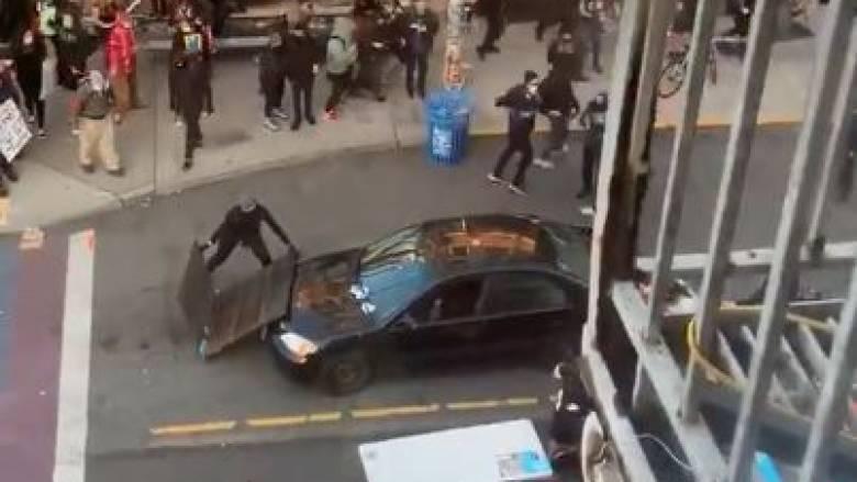 ΗΠΑ: Αυτοκίνητο έπεσε πάνω σε διαδηλωτές και ο οδηγός άνοιξε πυρ