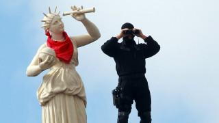 Έρευνα στη Γαλλία για τις ρατσιστικές «πλάκες» μεταξύ αστυνομικών