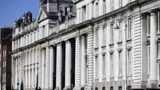 Κορωνοϊός: Επιταχύνεται η άρση του lockdown στην Ιρλανδία – Ανοίγουν καταστήματα και γραφεία