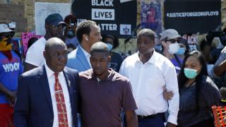 Δολοφονία Τζορτζ Φλόιντ: Η οικογένεια προσφεύγει στον ΟΗΕ για ανεξάρτητη έρευνα