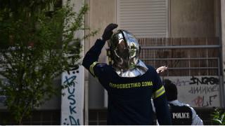 Θεσσαλονίκη: Σε επίθεση με γκαζάκια οφείλεται η έκρηξη - Απεγκλωβίστηκε υπάλληλος