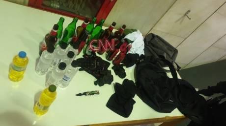 Φωτογραφία-ντοκουμέντο: Τι κατασχέθηκε από τους ανήλικους που συνελήφθησαν στο Θησείο