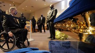 Σε λαϊκό προσκύνημα η σορός του Τζορτζ Φλόιντ στο Χιούστον