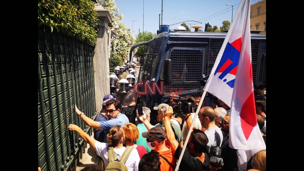 https://cdn.cnngreece.gr/media/news/2020/06/09/222559/photos/snapshot/silalitirio.jpg