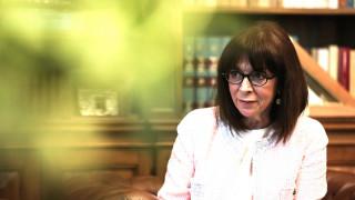 Σακελλαροπούλου στο Φόρουμ των Δελφών: «Η Ελλάδα μετέτρεψε μια δεινή κρίση σε ευκαιρία»