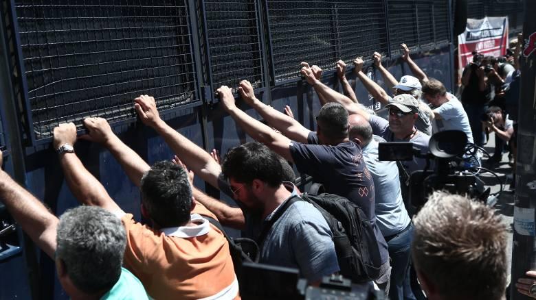 Με μικροένταση ολοκληρώθηκε το συλλαλητήριο των εκπαιδευτικών στο κέντρο της Αθήνας