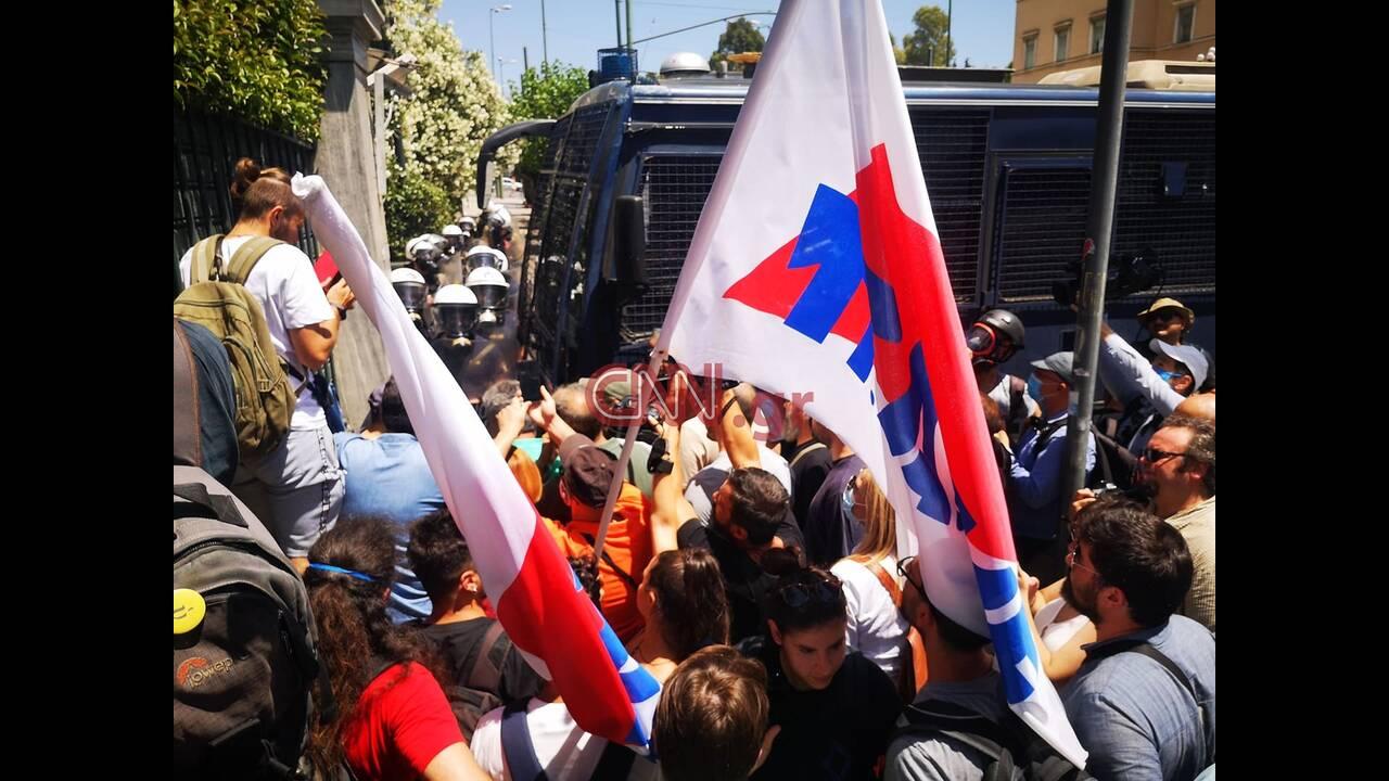 https://cdn.cnngreece.gr/media/news/2020/06/09/222584/photos/snapshot/silalitirio2.jpg