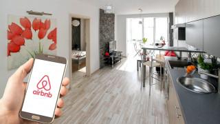 Το Airbnb επιστρέφει δυναμικά στην μετά κορωνοϊό εποχή