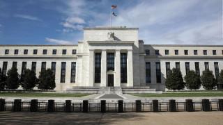 Fed: Μηδενικά επιτόκια ως το 2022