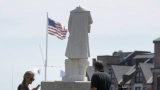 ΗΠΑ: Διαδηλωτές βανδάλισαν αγάλματα του Χριστόφορου Κολόμβου