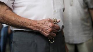 Συντάξεις: Στο 30% από τον Αύγουστο η περικοπή στους συνταξιούχους που εργάζονται