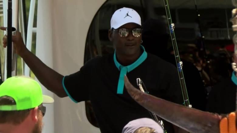 Πρωταθλητής ακόμη και στο ψάρεμα: Ο Μάικλ Τζόρνταν έπιασε ξιφία 200 κιλών!