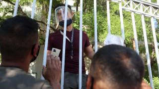 Με ηλεκτρονικές κάρτες θα αντικατασταθούν τα έντυπα δελτία αιτούντων άσυλο