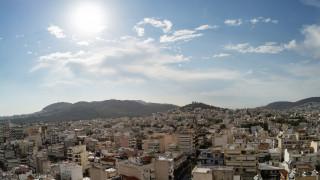 Καιρός: Ηλιοφάνεια και πιθανότητα τοπικών βροχών σήμερα