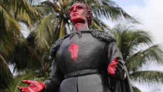 Μινεάπολη: Διαδηλωτές έριξαν άγαλμα του Χριστόφορου Κολόμβου σε αντιρατσιστική συγκέντρωση