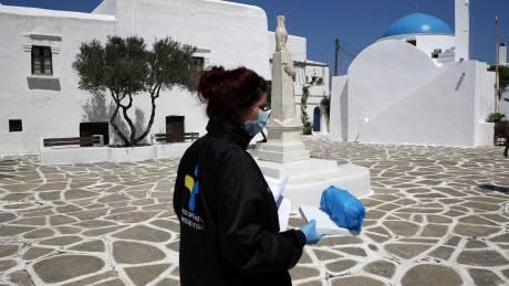 Κορωνοϊός: Ανησυχία για την αύξηση των κρουσμάτων στην Ελλάδα - Θωράκιση νησιών και τοπικά lockdown