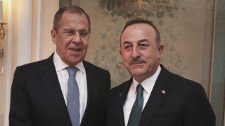 Η Μόσχα στέλνει Λαβρόφ και Σόιγκου για Λιβύη και Συρία