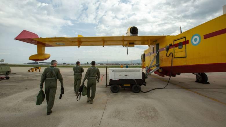 «Από το πρώτο μέχρι το τελευταίο φως»: Η ζωή τεχνικών και πιλότων των Καναντέρ