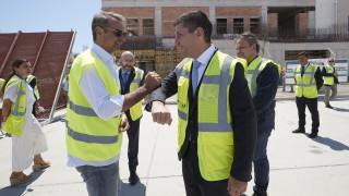 Σαντορίνη: Ο πρωθυπουργός επιθεώρησε τα έργα αναβάθμισης του αεροδρομίου