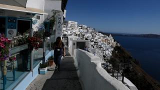 Επανεκκίνηση τουρισμού: «Ανοίγουν» αερομεταφορές, εποχικά καταλύματα και μουσεία