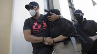 Επίθεση με βιτριόλι: «Αποστασιοποιημένη» η 35χρονη – Τα ερωτήματα που θα κληθεί να απαντήσει