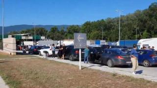 Ουρές οχημάτων στο τελωνείο Προμαχώνα – Άνοιξαν νωρίτερα τα σύνορα