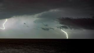 Καιρός: Πού αναμένονται βροχές και καταιγίδες την Τρίτη