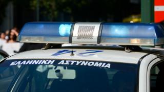 Άρτα: Στο νοσοκομείο τρεις αστυνομικοί – Δέχθηκαν επίθεση κατά τη διάρκεια έρευνας σε καφενείο