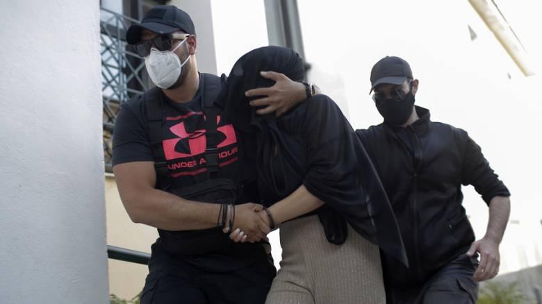 Επίθεση με βιτριόλι: Απολογείται σήμερα η 35χρονη – Το σημείωμα και η συνομιλία των δύο γυναικών