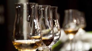 Δημιουργήθηκε συσκευή που ανιχνεύει τη νόθευση των ποτών με τη βοήθεια Έλληνα ερευνητή
