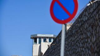Κορυδαλλός: Απέδρασε κρατούμενος που είχε καταδικαστεί για ανθρωποκτονία