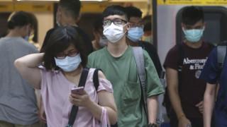 Κορωνοϊός: Ακόμα και με μάσκα ο βήχας διασπείρει σταγονίδια
