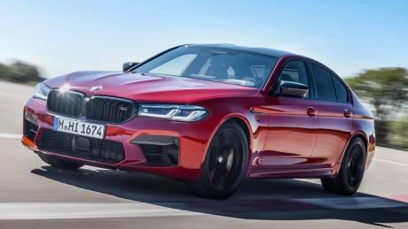 Αυτοκίνητο: Η BMW M5 των έως και 625 ίππων δεν άλλαξε πολύ αλλά δείχνει ακόμα πιο δυναμική