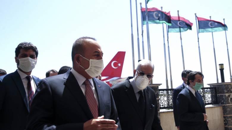 Αιφνιδιαστική επίσκεψη Τσαβούσογλου στη Λιβύη συνοδεία του επικεφαλής της τουρικής ΜΙΤ