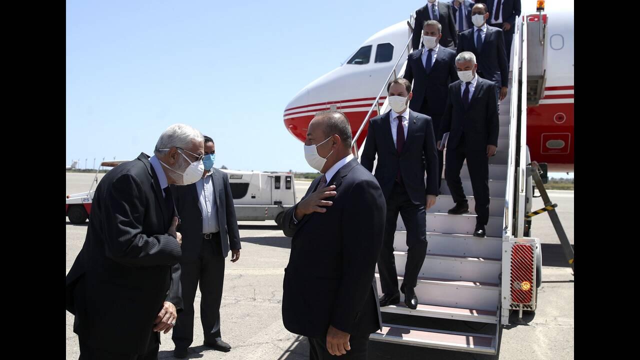 https://cdn.cnngreece.gr/media/news/2020/06/18/223765/photos/snapshot/libya-cavusoglou-3.jpg