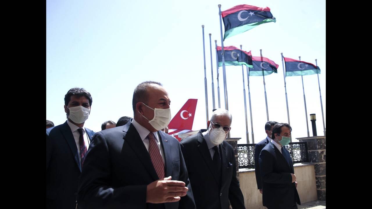 https://cdn.cnngreece.gr/media/news/2020/06/18/223765/photos/snapshot/libya-cavusoglou-4.jpg