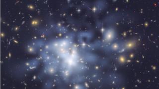 «Φως» στο μυστήριο της σκοτεινής ύλης; Νέες ενδείξεις στα χέρια επιστημόνων