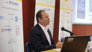Τρύφων: Αναλογική κατανομή πόρων – Θέμα αντισυνταγματικότητας στις πληρωμές της φαρμακοβιομηχανίας