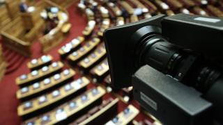 Κορωνοϊός: Πολιτική αντιπαράθεση κυβέρνησης - ΣΥΡΙΖΑ για τη λίστα με τα ποσά που δόθηκαν στα ΜΜΕ