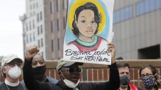 ΗΠΑ: Απολύθηκε αστυνομικός για την υπόθεση της Μπριόνα Τέιλορ, θύμα αστυνομικής βίας