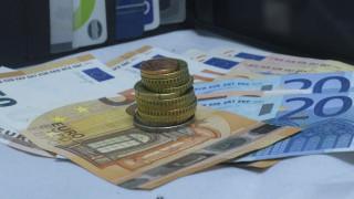 Πότε θα καταβληθούν τα 534 ευρώ σε όσους δεν τα έλαβαν – Τι ισχύει για τις αυξήσεις συντάξεων