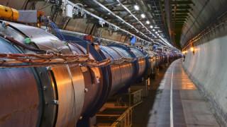 «Πράσινο φως» για τον υπερ-επιταχυντή του CERN: Με κόστος πάνω από 21 δισ. στόχος του η σκοτεινή ύλη