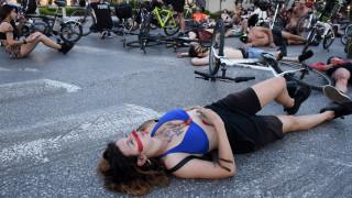 Θεσσαλονίκη: Στιγμιότυπα από τη 13η Διεθνή Γυμνή Ποδηλατοδρομία