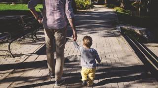 Γιορτή του Πατέρα: Πέντε δημιουργικοί τρόποι για να την περάσετε μαζί του