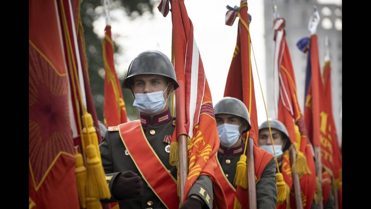 https://cdn.cnngreece.gr/media/news/2020/06/21/224224/photos/snapshot/russia_parade-13.jpg