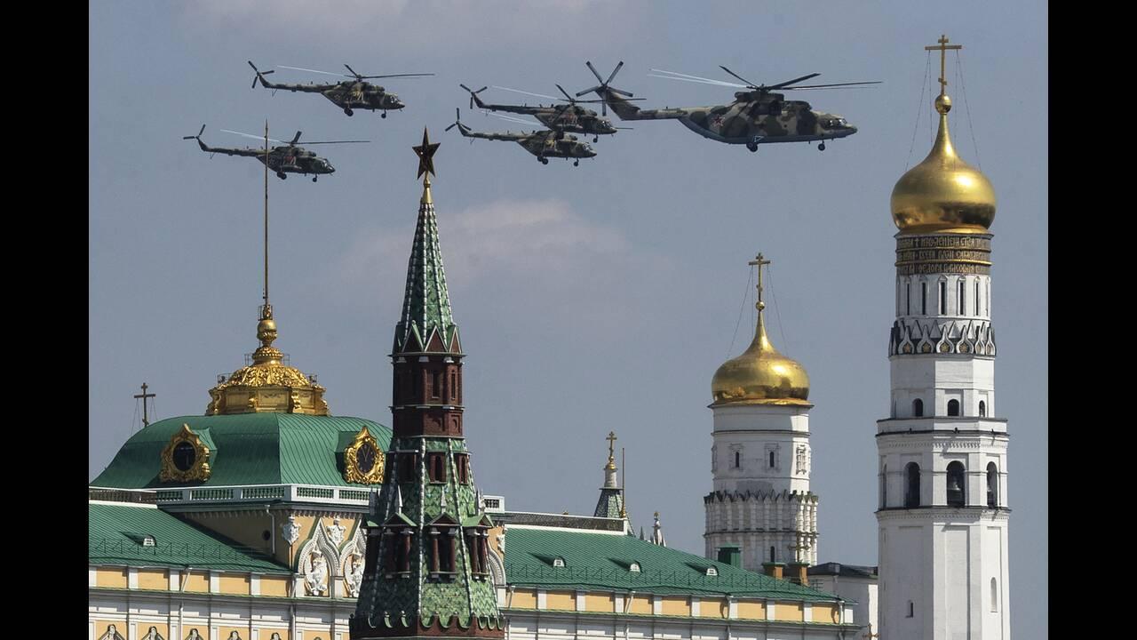 https://cdn.cnngreece.gr/media/news/2020/06/21/224224/photos/snapshot/russia_parade-2.jpg