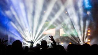 Κορωνοϊός: Τα πάρτι καλά κρατούν στη Μύκονο - «Καμπανάκι» από τους επιστήμονες