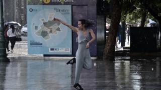 Καιρός: Βροχές και καταιγίδες σήμερα - Πέφτει και άλλο η θερμοκρασία