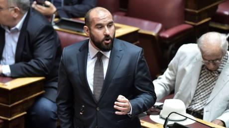 Τζανακόπουλος: Η κυβέρνηση μοιράζει αδιαφανώς εκατομμύρια στα ΜΜΕ